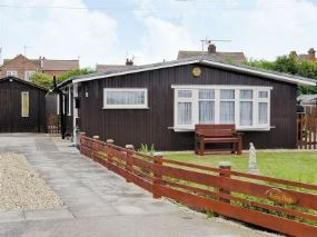 Lazy Days Chalet Mablethorpe Lincolnshire | Pet Friendly Holiday Finder